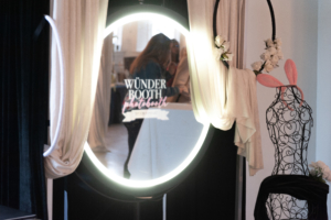 Water's Edge Windsor Photo Booth Fashion Show @wunderbooth @villabelmara